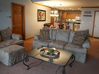 Beautiful deluxe two bedroom, three bath with loft condo
