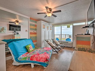 Cozy Studio on Ormond Beach Oceanfront w/ Pool