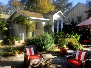 Healdsburg Cottage - Walk to Town