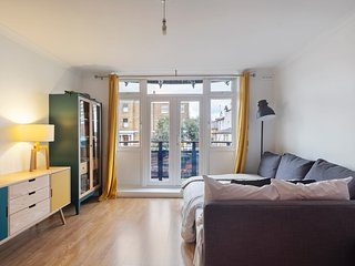 Modern & Cosy 1-Bedroom Apartment, Sleeps 4 in Brixton