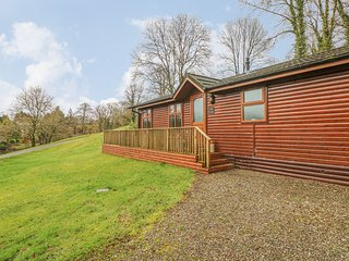 THE BEECHES, spa bath, on-site facilities, luxury lodge, near Narberth, Ref