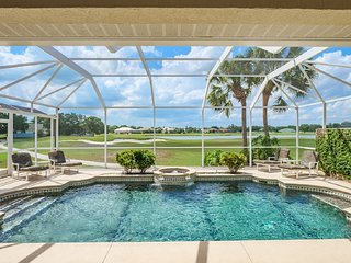 LUXURY VILLA: 5 BR on Golf Course