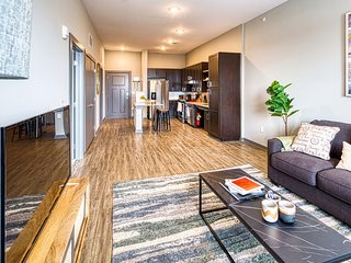 Kasa | Columbia | Breathtaking 2BD/2BA Canalside Apartment