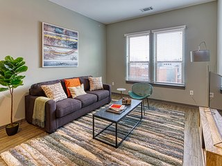 Kasa | Columbia | Exquisite 2BD/2BA Canalside Apartment