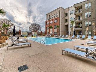 Kasa | Columbia | Stunning 2BD/2BA Canalside Apartment