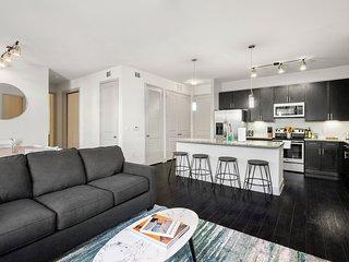Kasa | Houston | Sophisticated 2BD/2BA Museum District Apartment