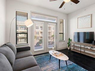 Kasa | Houston | Sophisticated 1BD/1BA Museum District Apartment