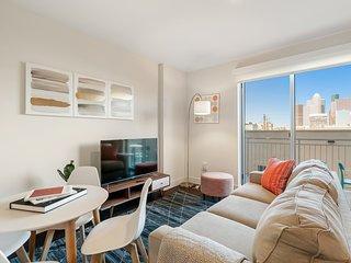 Kasa | Houston | Grand Midtown Studio Apartment