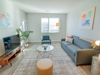 Kasa | Menlo Park | Premium 1BD/1BA Downtown Apartment
