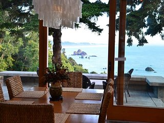 North Coast Sanctuary~Custom home w/ocean views, decks, terraces, & hot tub