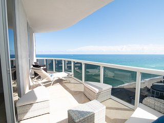 STUNNING OCEAN FRONT  3 BEDROOMS 3 BATHROOMS