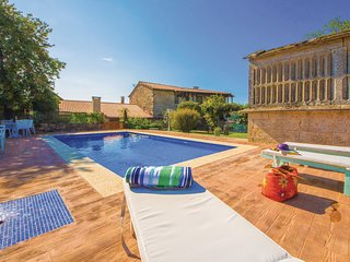 Stunning home in Cernedo w/ Outdoor swimming pool, WiFi and Outdoor swimming poo