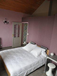 Chambre avec lit 160 cm