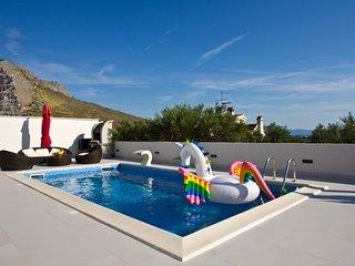 Villa Capitano near Split center with private pool