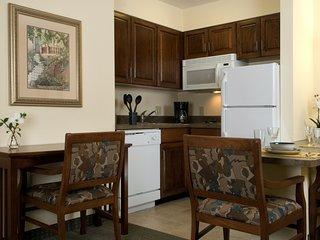 Equipped King Suite Near the Savannah Airport | Seasonal Pool Access