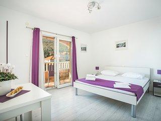 Cozy studio apartment for 2 on the beach (Kaja A5)