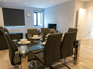 London Heathrow Serviced Apartments - Bath Road by Riis Property