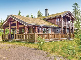 Awesome home in Trysil w/ Sauna, WiFi and 5 Bedrooms (N30085)