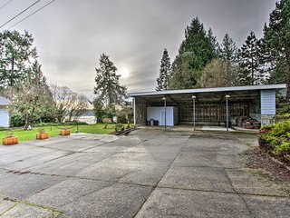 NEW! Family Home w/ Waterfront Views: Hike + Fish!