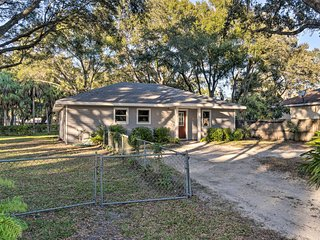 NEW! Quiet North Sarasota Home: Ideal for Families