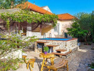 Amazing home in Zadar with WiFi and 3 Bedrooms (CDA159)
