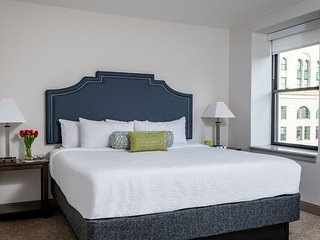 Dazzling Stay Alfred at Broad and Chestnut