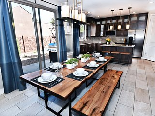Awesome Moab Home! | Sleeps 19 | Pet-Friendly | EPA Cleaning | Flex Cancellation