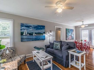 Newly Re-done, Tastefully Decorated, 3bdr.  Mins To Port Royal/Beaufort. Great f