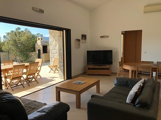 Villa with heated pool 900 meters from the beach of Pinarello