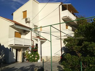 Three bedroom apartment Lopar (Rab) (A-17436-b)