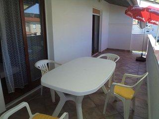 Lopar Apartment Sleeps 6 with Air Con - 5826220