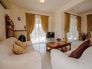 Villa Anna, Coral bay, 3 bed