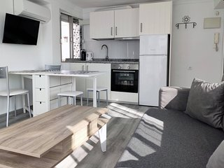 Apartamento con terraza soleada privada a solo 250m de la playa