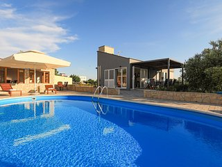 Beautiful home in Polaca w/ Outdoor swimming pool and 4 Bedrooms (CDA760)