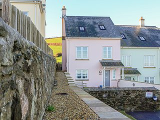 FULMAR, sea views, pet-friendly, Hallsands beach