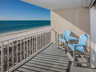 7th Floor Gulf-front Corner | Outdoor pool, Hot Tub, BBQ, Wifi | Free golf, fish
