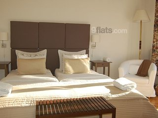 3 bedroom 2 bathrooms & balcony suit in OLD JEWISH quarter,AC ,free minibar,FKY