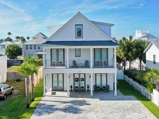 Beaches re-open 5/1 - Clean and New! 7 BR 8 BA sleeps 22 - Pool - Steps to Beach