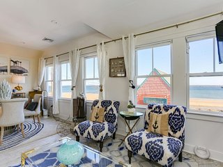 Renovated Freestanding Waterfront Cottage in Town Center with Spectacular Views