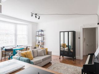 Classic Central London Home with Hyde Park views