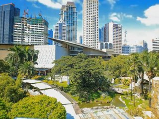 Makati holiday pad / 2 minutes from Greenbelt mall /  Central CBD