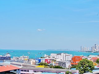 1213 Stunning 1 Bedroom Suite Ocean View with high speed wifi South Pattaya Bay!