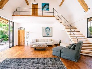 Spacious, Light, Cozy Designed Villa In Fantastic Location