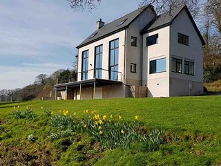Wales Luxury modern riverside home, Kayaking, Pet friendly, many sandy beaches