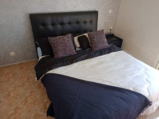 Fully Equipped Airy 2 bedrooms apartment 1040
