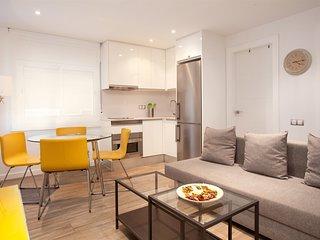 SILVER BCN · Fully renovated apartment close to Sagrada Familia