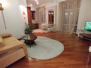 One bedroom. Lux. 25 Khreshchatyk str. Concierge