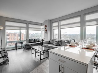 Modern 2 Bedroom Apartment with City Views