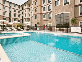 Outdoor Pool and Hot Tub + Free Breakfast | Premium Suite Only 15 Minutes from