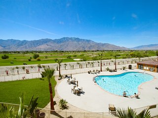 Heated Outdoor Pool, Free Breakfast, Great Golf! | Great Place to Stay Near